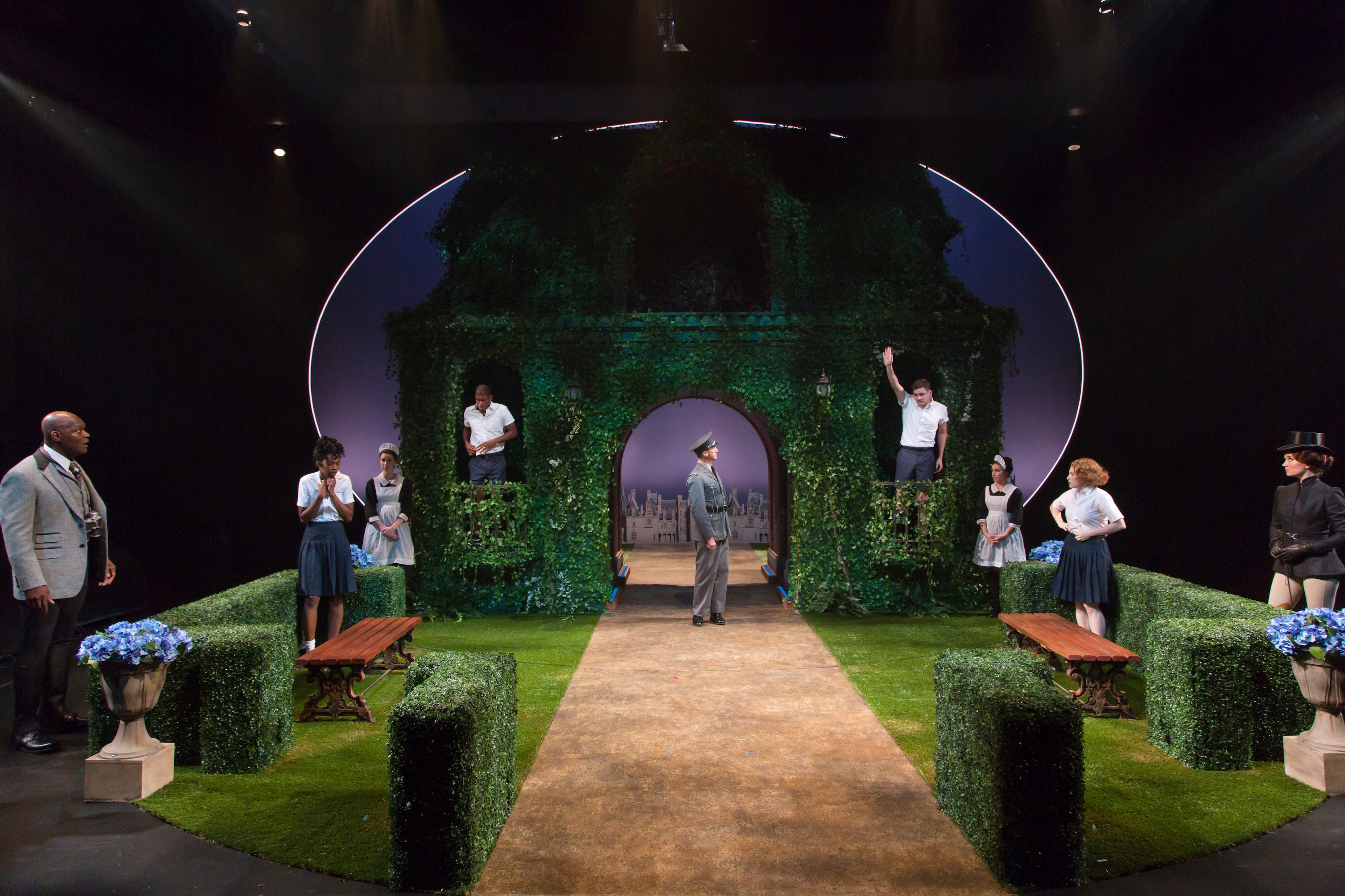 Shakespeares A Midsummer Nights Dream Live On Stage